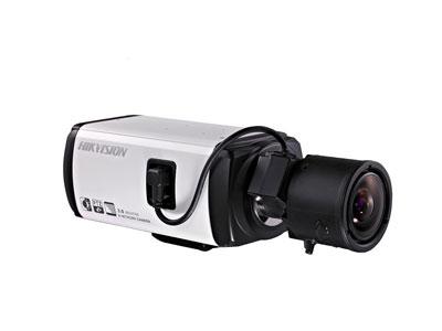 Корпусная камера наблюдения Hikvision с мегапиксельным объективом